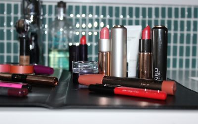 DIVA DOES… The Matte (A Portable Makeup Counter for Even the Tiniest of Apartments and Hotel Bathrooms)